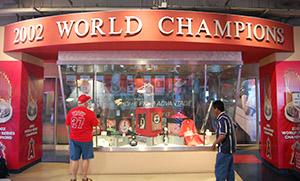 2002 Wolrd Series Trophy Desplay
