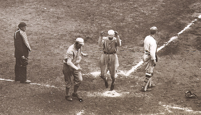 Giants score in 1913 World Series