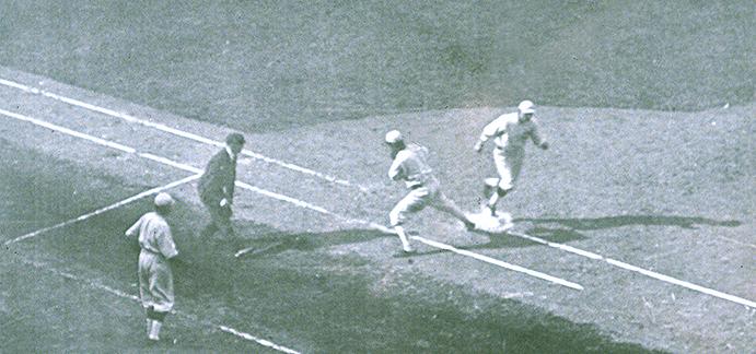 Chick Gandil error, 1919 World Series