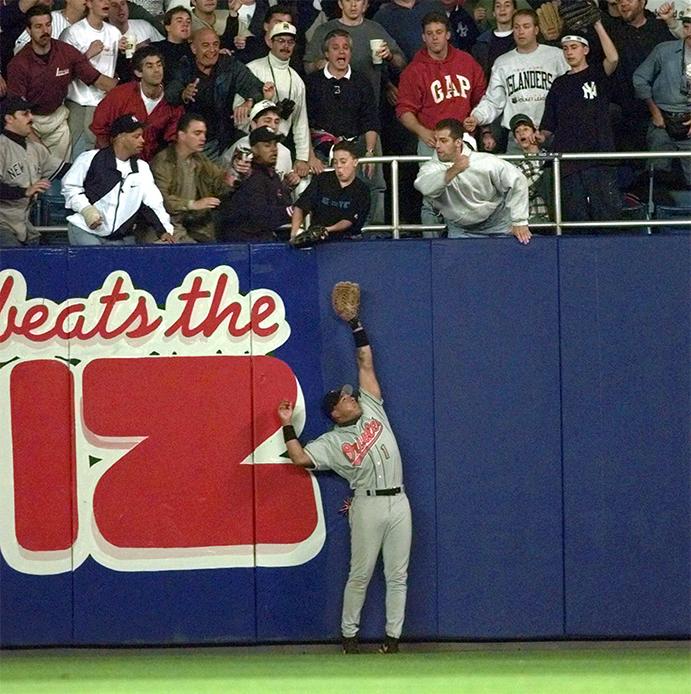 Jeffrey Meier helps give Derek Jeter a home run in the 1996 ALCS