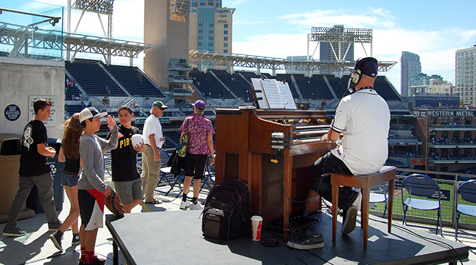 Outdoor organist at Petco Park